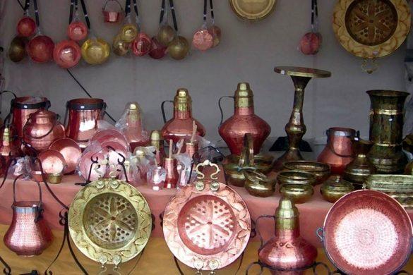 diferentes articulos hechos de cobre conoces los beneficios de beber en vasos de cobre
