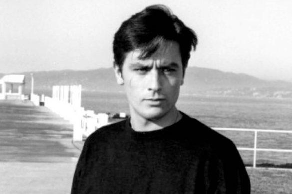fotografia en blanco y negro del actor frances alain delon y los datos curiosos sobre el