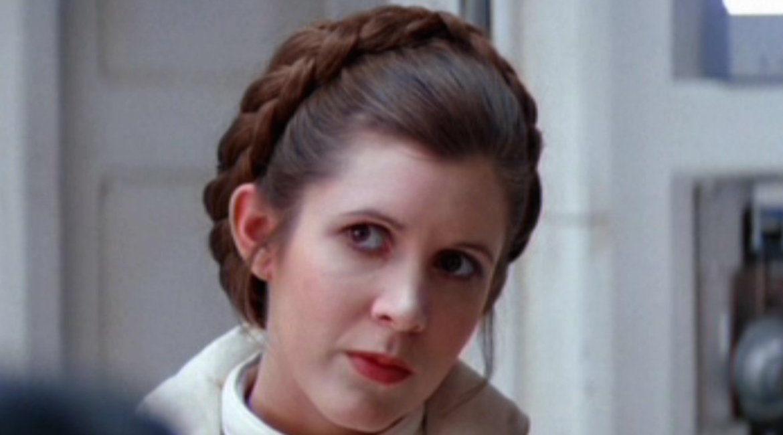 actriz carrie ficher en su papel de princesa leia de la guerra de las galaxias