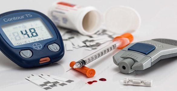 jeringa gotas de sangre medidor digital de azucar mira el remedio para controlar el azucar