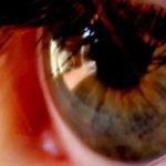 foto de un ojo humano color verde prediciendo tu personalidad segun el color de tus ojos
