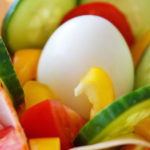 plato leno de verduras y comida saludable sabes en que consiste comer sanamente