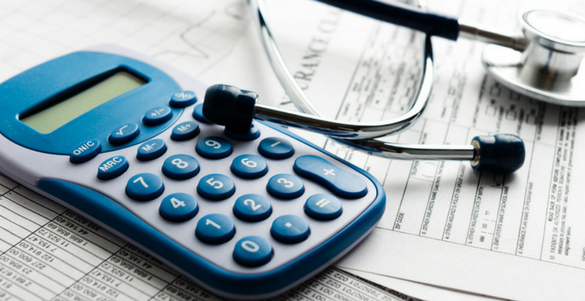 calculadora papeles y estetoscopio conoce todo sobre como afiliarte al seguro popular