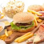 alimentos que te fatigan como pizza hamburguesa papas fritas donas y palomitas