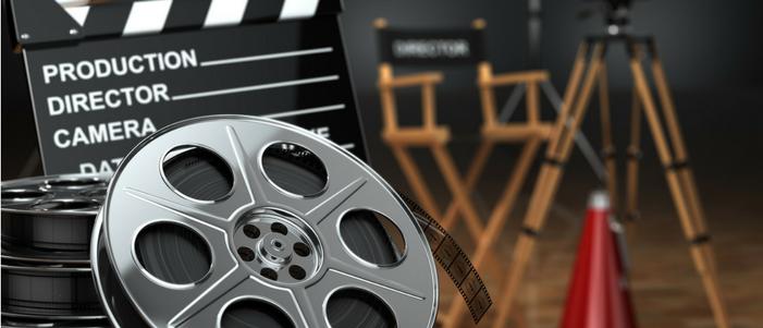 silla de director de cine claqueta y rollos de mejores peliculas mexicanas contemporaneas