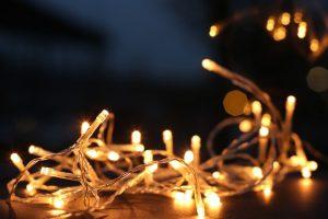 serie de focos pequeños para decorar festividades
