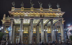 imagen de la fachada del teatro Juárez, recinto estrella de la ciudad de Guanajuato