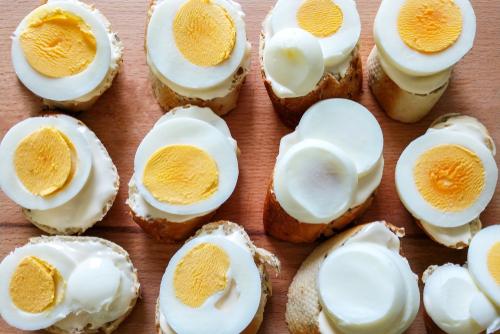 comer huevos hervidos para disminuir el colesterol