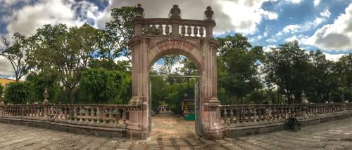 imagen de la puerta para entrar a uno de los parques emblematicos de Aguascalientes