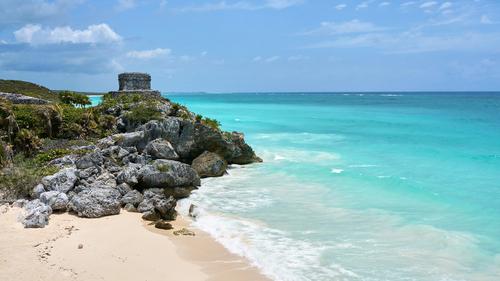 tulum en la riviera maya es un lugar turistico en el caribe mexicano