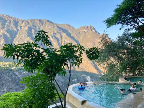 Visita las grutas de Tolantongo en el bello estado de Hidalgo